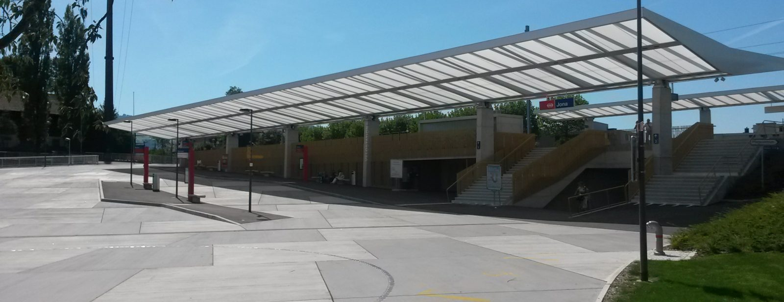 Bushof und Bahnhof, Jona